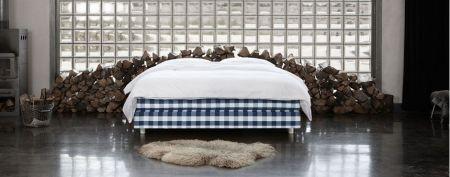 continentales. Black Bedroom Furniture Sets. Home Design Ideas
